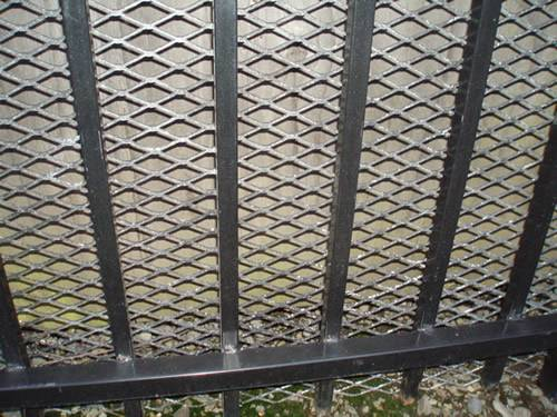 Expanded Metal Gates For Garden, Courtyard, Driveway