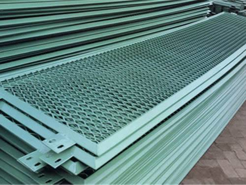 Metal Screen Material : Expanded metal grating for stair treads fence guard