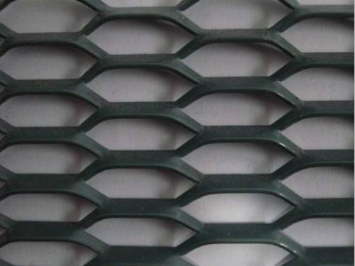 Black heavy type hexagonal expand metal sheet with PVC coated surface.